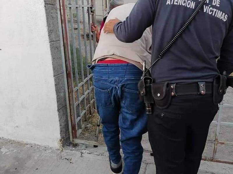 Policías Municipales ayudan a hombre a volver a casa