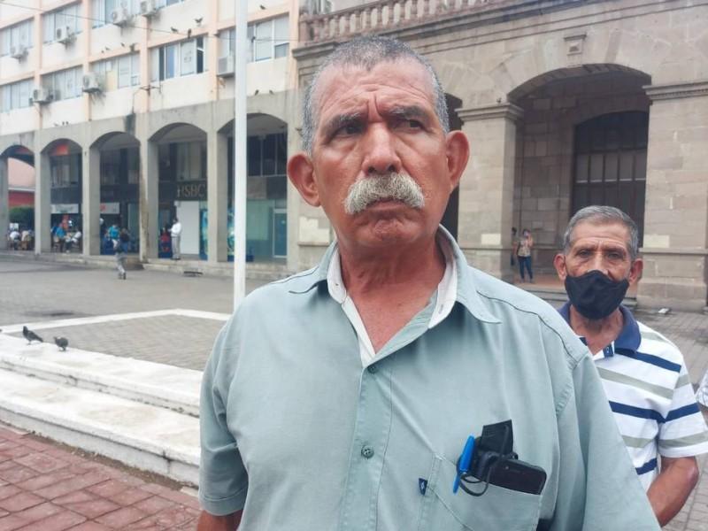 Policías prejubilados denuncian falta de pagos