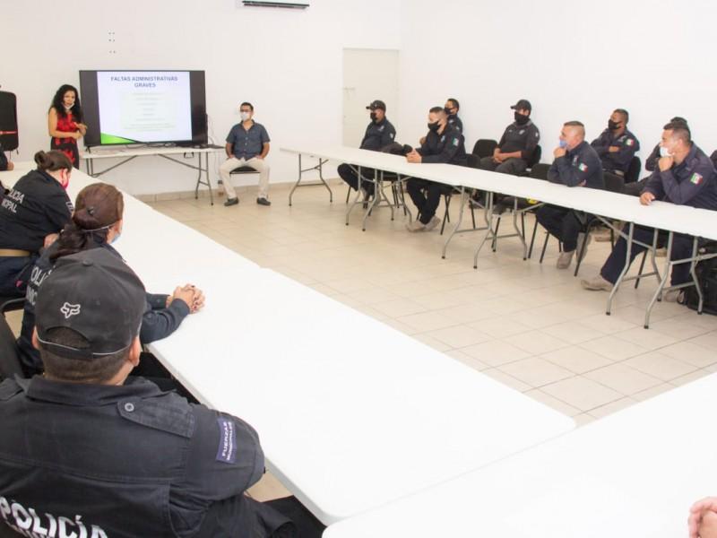 Policías reciben capacitación para no infringir la ley
