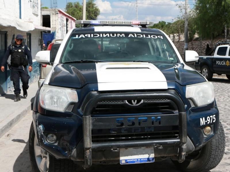 Policías recuperan un vehículo minutos después de haber sido robado