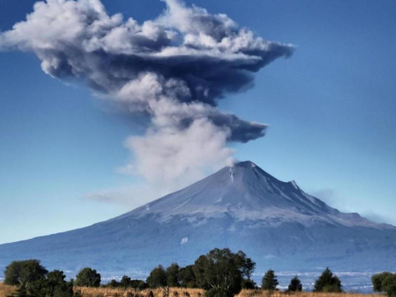 Popocatépetl registra 42 exhalaciones y tres sismos