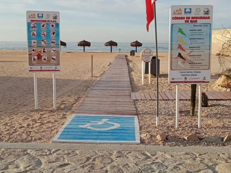 Por alto oleaje, instalan banderas rojas en playas