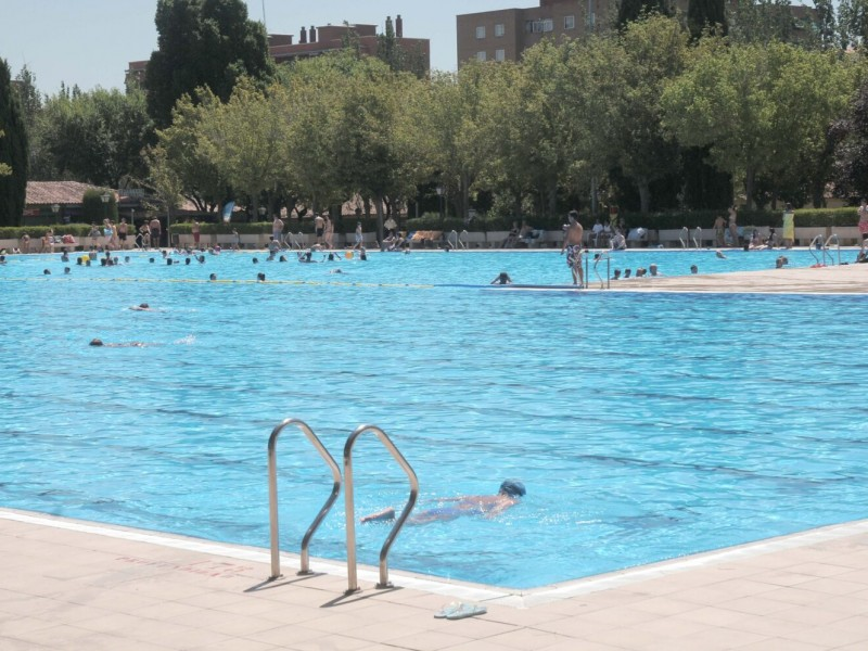 Por brotes Covid-19, Madrid cierra parques y piscinas