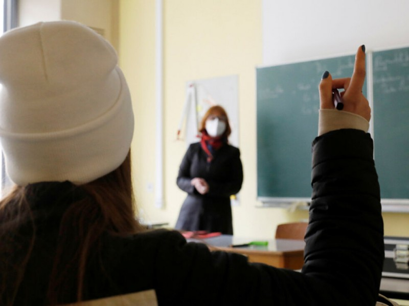 Por cada alumno contagiado habría 10 casos sospechosos