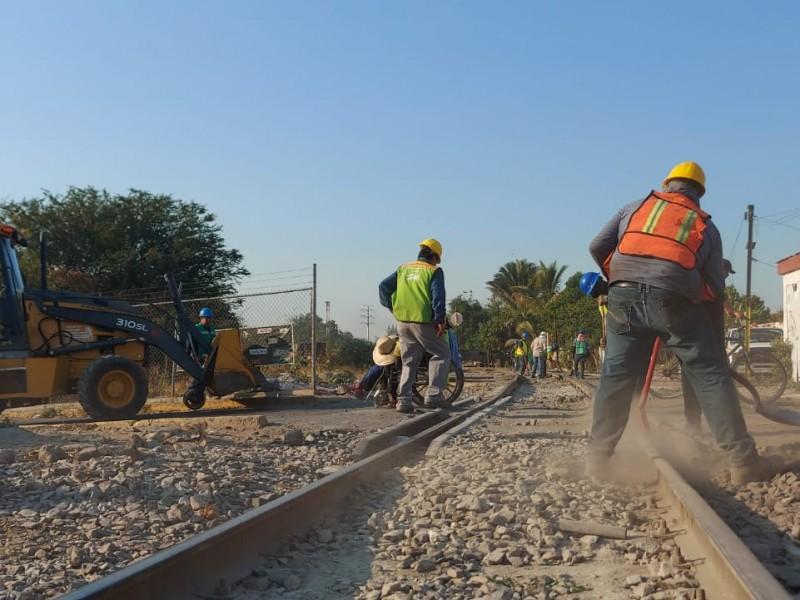 Por cambio de rieles, cierran cruce ferroviario en boulevard Colosio