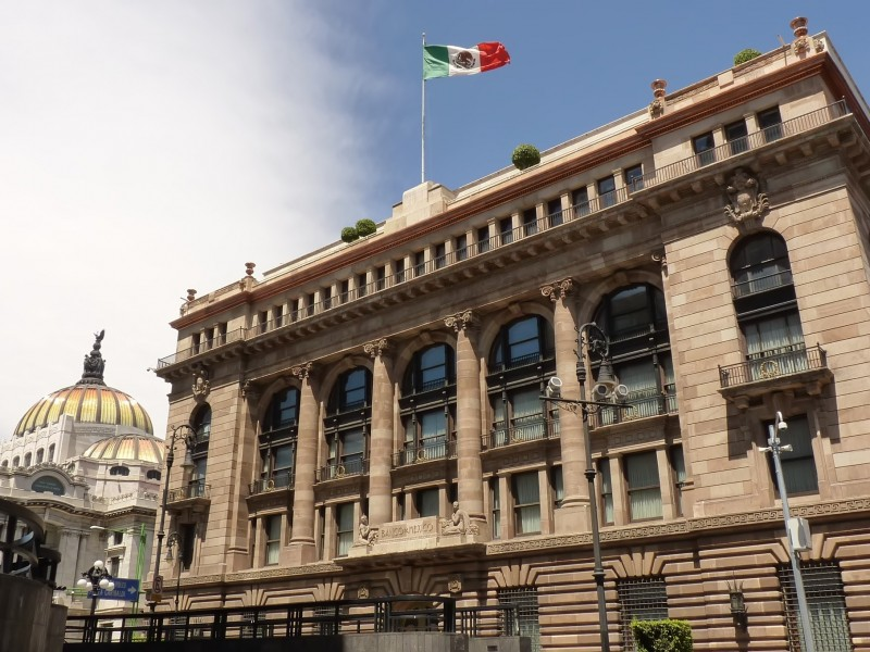 Por cartera vencida, bancos podrían declararse en quiebra: González Aguadé