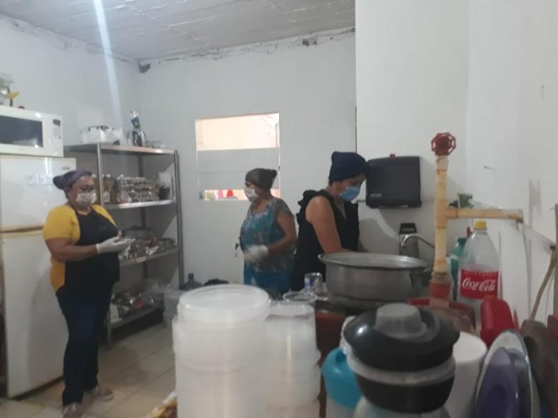 Por COVID-19 instalan cocinas comunitarias en apoyo a sector vulnerable
