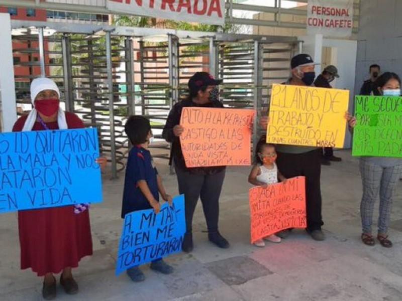 Por desalojo en Tamazulapám toman Ciudad Administrativa