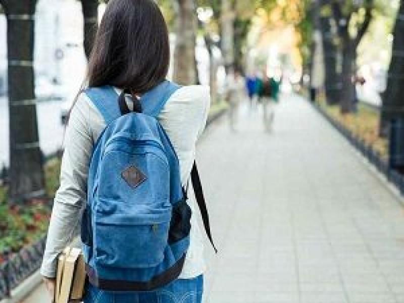 Por desempleo a causa de la pandemia jóvenes abandonan estudios