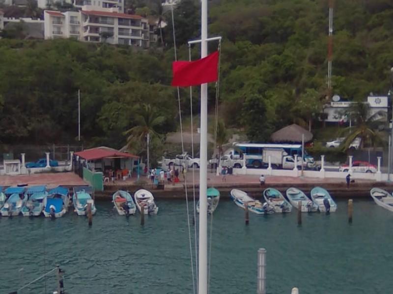 Por evento de norte, cierran navegación a embarcaciones en Huatulco