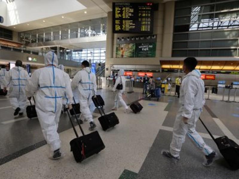 Por incremento Covid-19, EEUU planea solicitar pruebas negativas a turistas
