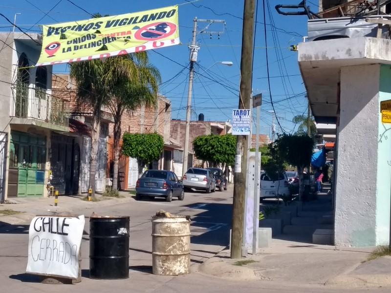 Por inseguridad cerraron calle en Santa Julia