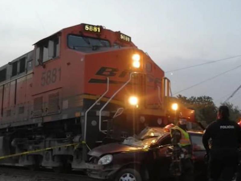 Por intentar ganarle el paso al tren muere familia