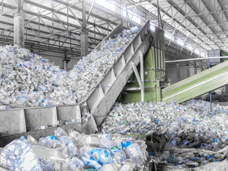 Por ley antiPET, anuncian plantas recicladoras en Oaxaca