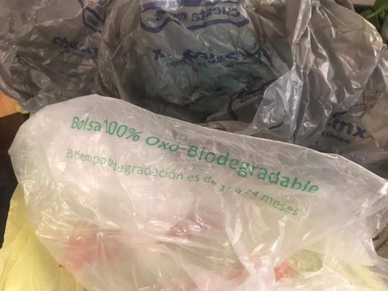 Por prohibición de productos desechables se reduce su consumo