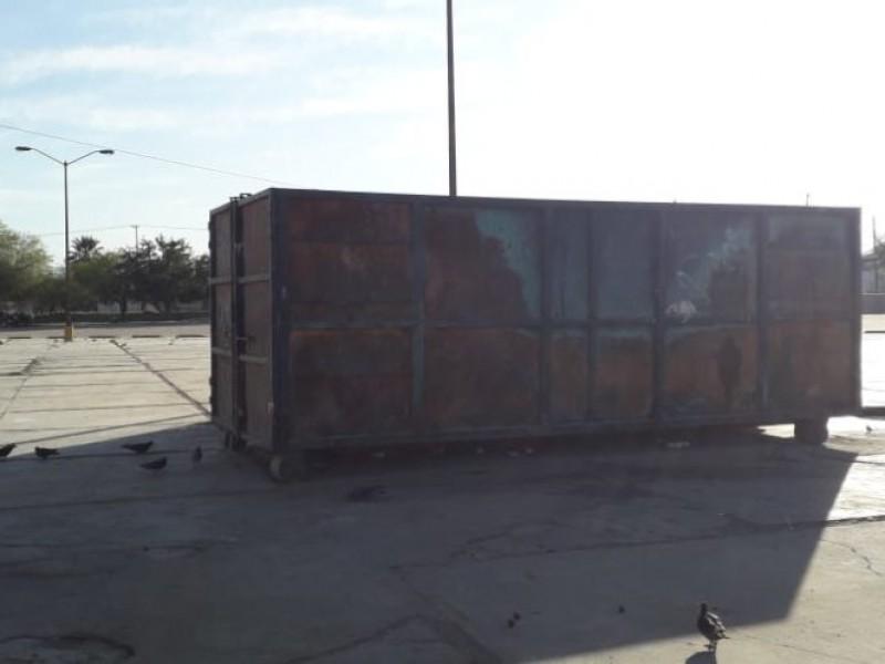 Por queja de vecinos retiran contenedor del Panteón Yañez