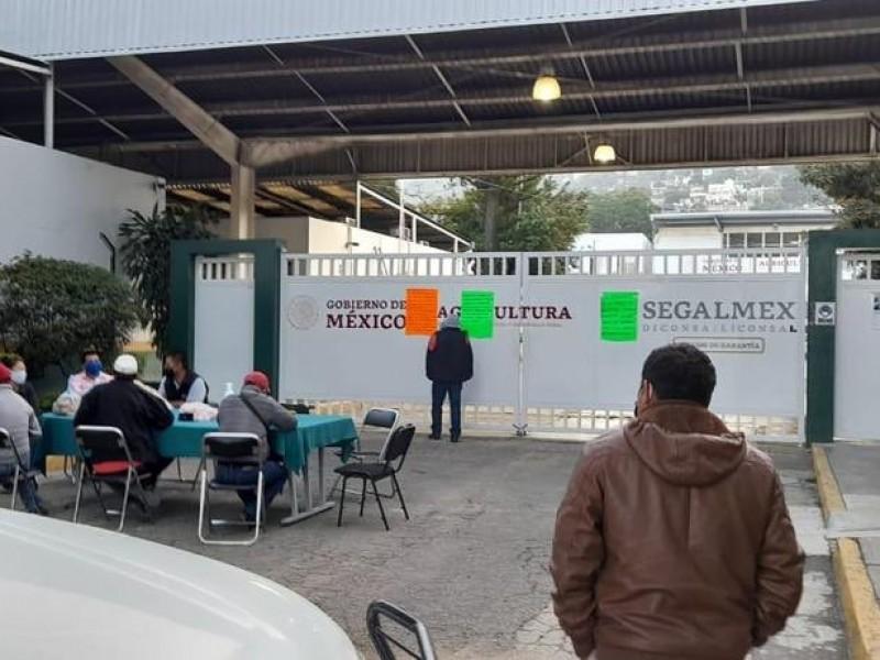 Por segundo día toman los almacenes de Diconsa en Oaxaca