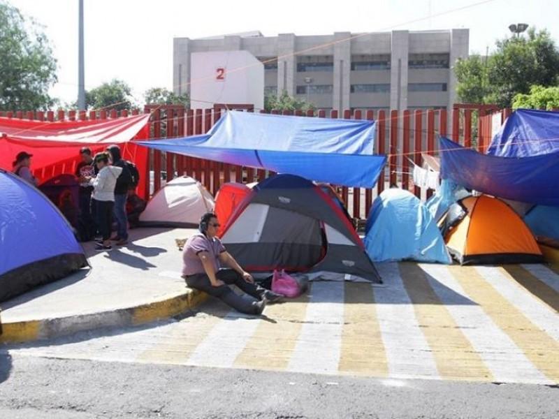 Por segundo día suspenden actividades en San Lazaro