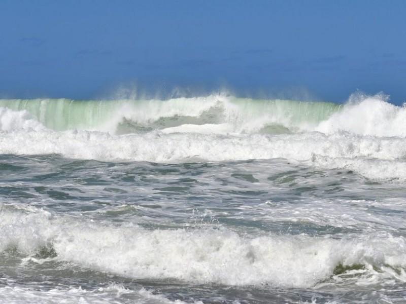 Por tormenta Dolores cierran puerto de San Blas