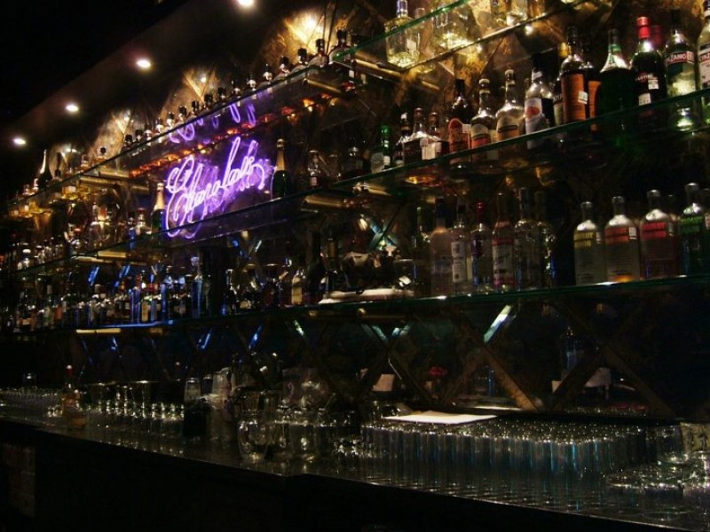 Positivo pero insuficiente ajuste a bares y centros nocturnos