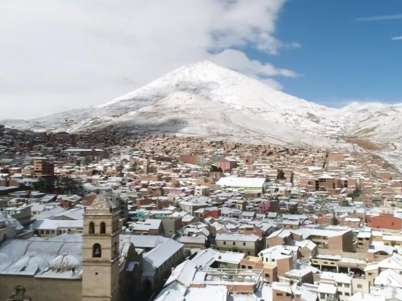 Potosí en Bolivia se viste de blanco tras intensa nevada