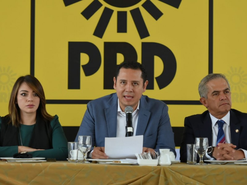 PRD buscará resucitar en un nuevo partido