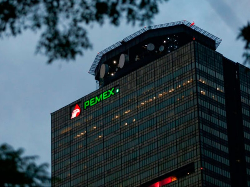 PRD urge a comparecer a director de Pemex