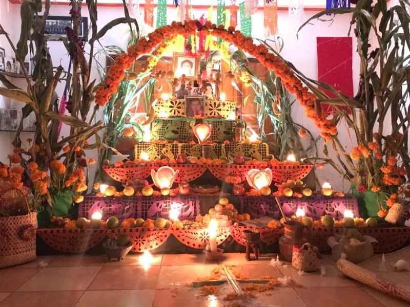 Premia Bachilleres UAQ a ganadores de Concurso de Altares