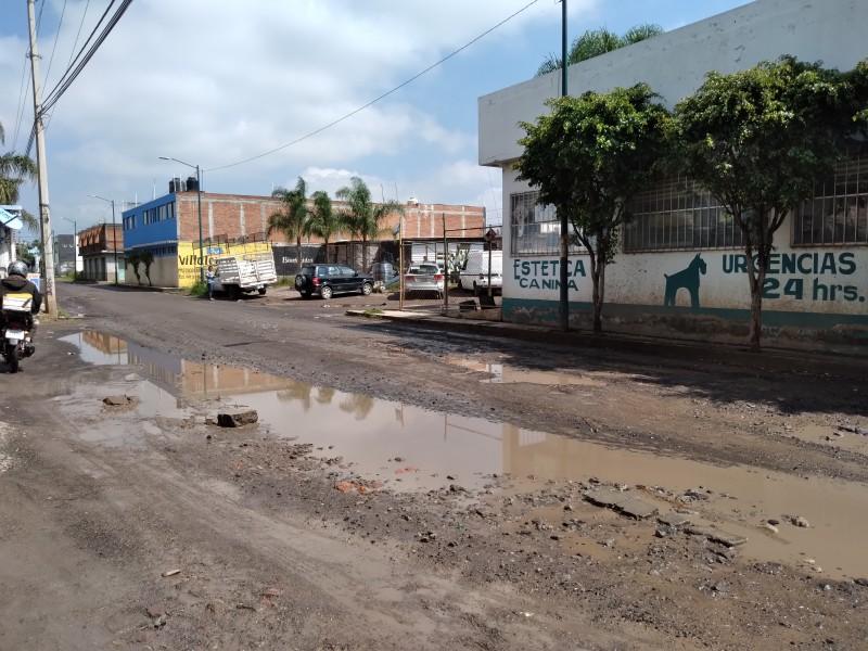 Preparan proyecto para reparar camino entre Morelia y Tarímbaro