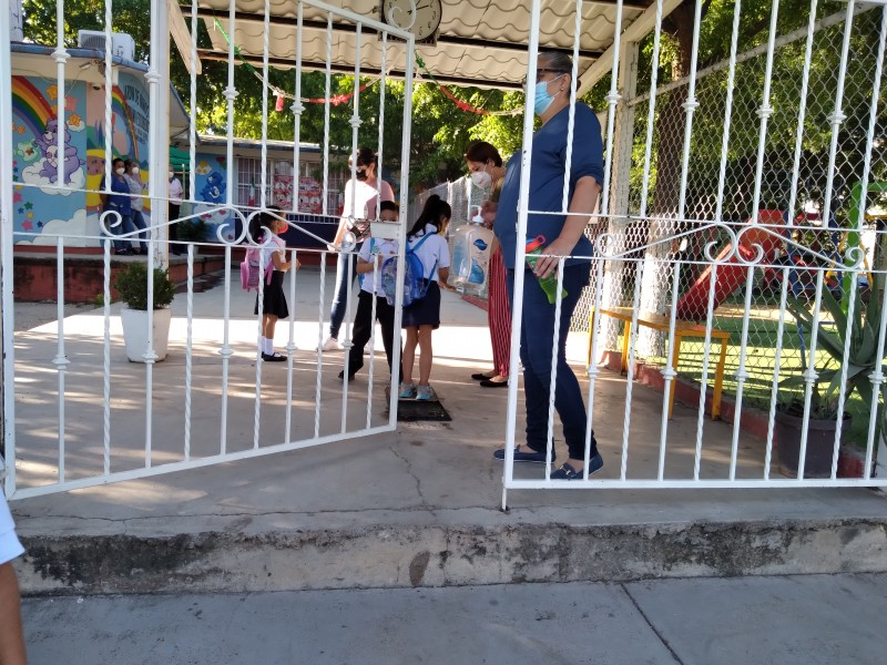 Preparan regreso a clases presenciales escuelas del SNTE 53