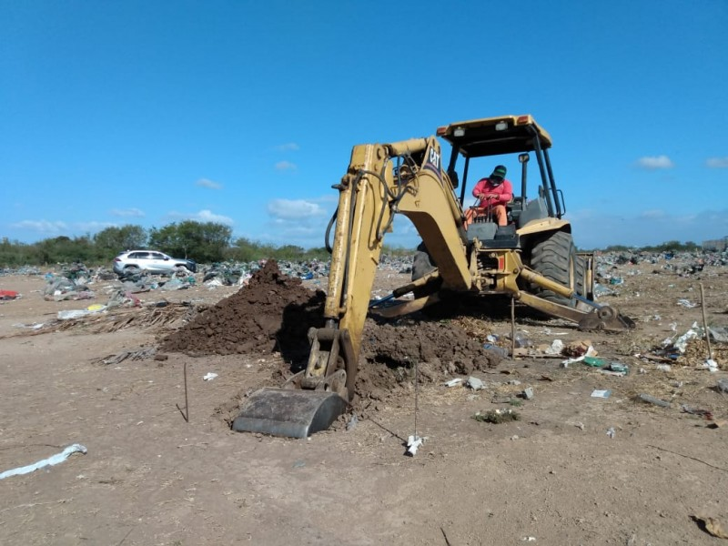 Prepararan fosas para inhumaciones en Juchitán