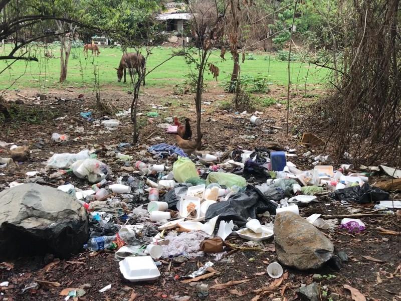 Presa de Agua de Correa, convertida en basurero