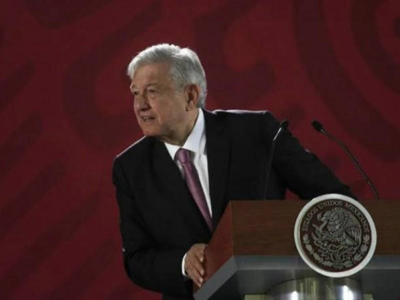 AMLO firma decreto para reducir IVA en frontera
