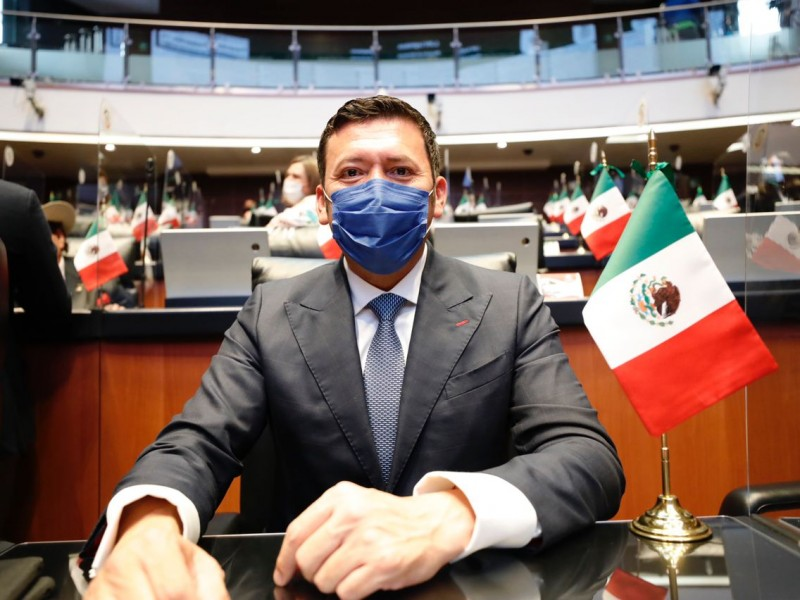 Presenta iniciativa el Senador Juan José Jiménez