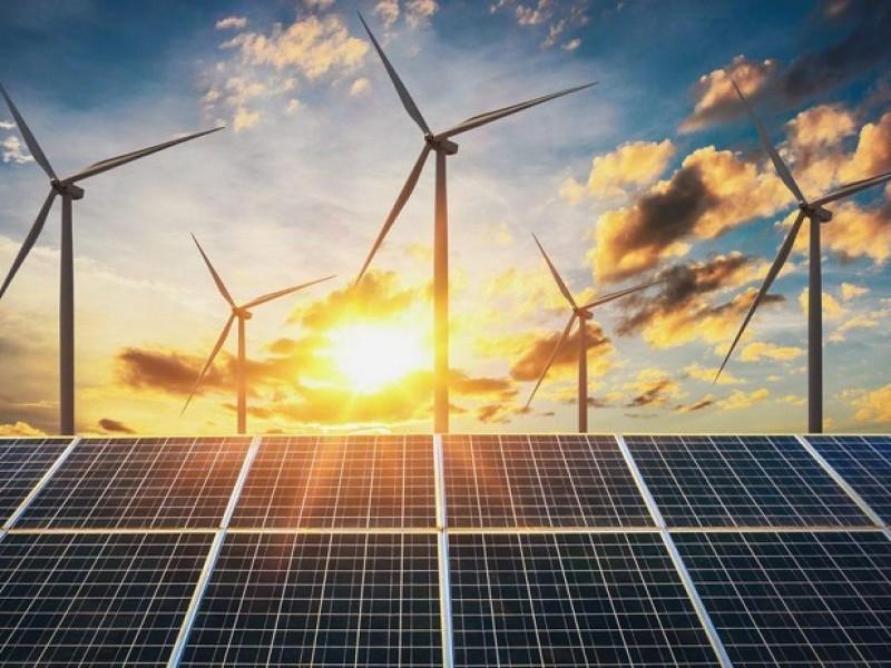 Presenta Plan Económico de transición a las energías renovables