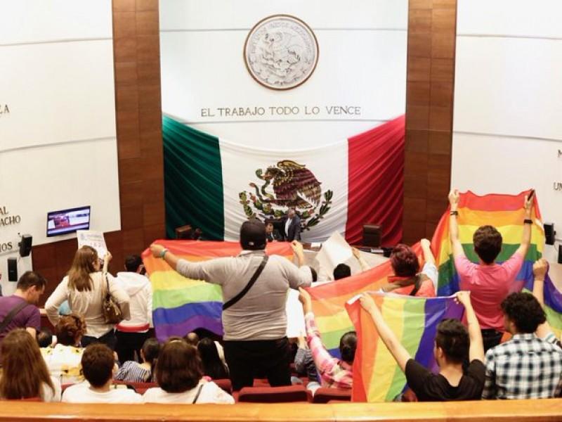 Presentan inconstitucionalidad a favor de matrimonio igualitario