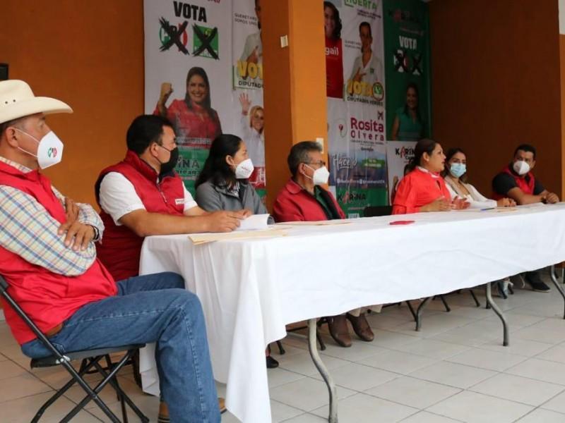 Presentó Karina Careaga la fórmula de candidatos a regidores