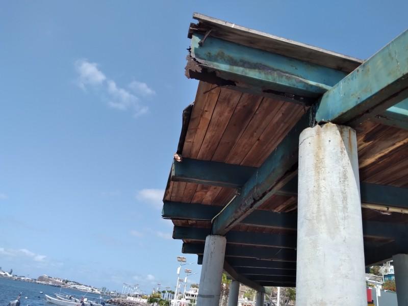 Prestadores de servicios demandan mantenimiento al malecón de Topolobampo
