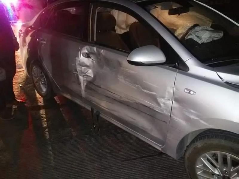 Presunto hijo de Gómez Báhamaca provoca accidente vial