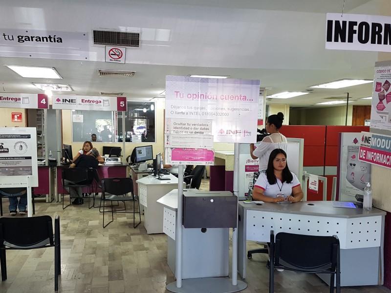 Presuntos inmigrantes intentan tramitar INE en Torreón