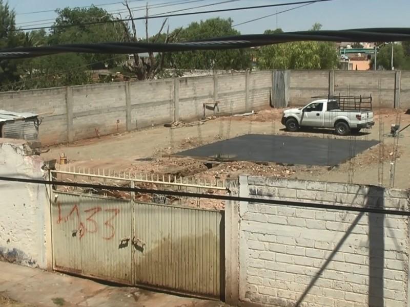 Pretenden instalar gasera en zona centro, vecinos se oponen