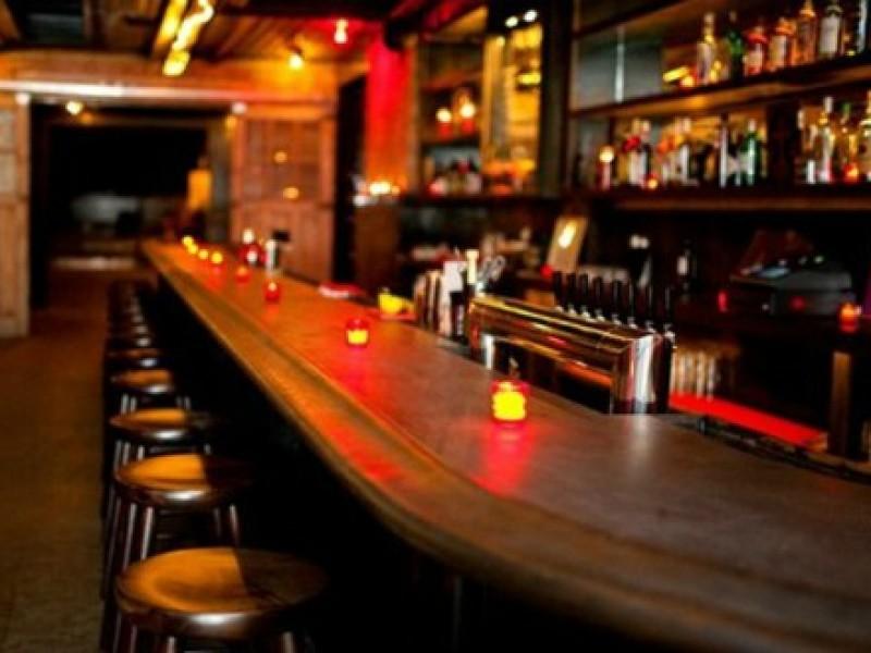 Prevé gobernador reapertura de bares y antros