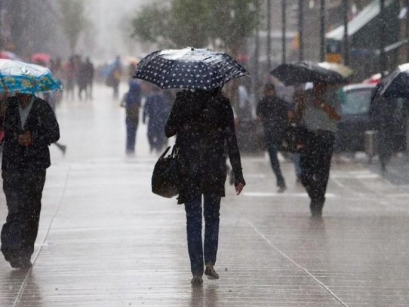 Prevén sábado lluvioso en el Valle de México