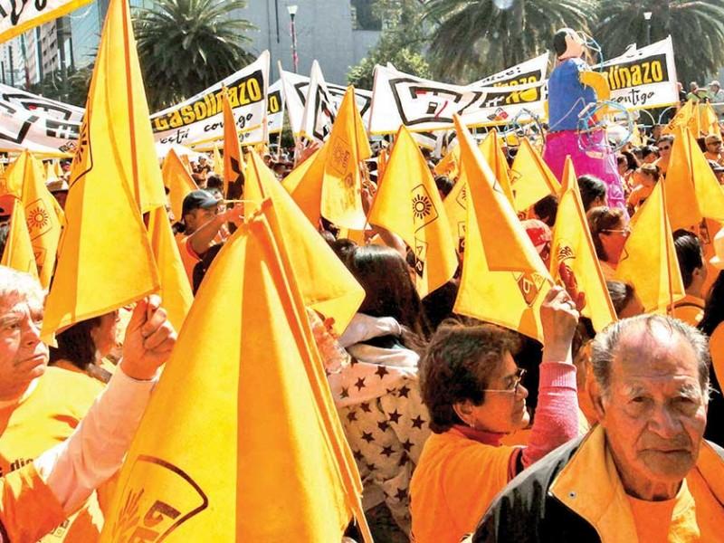 PRI y PRD depuran hasta en 76% a su militancia