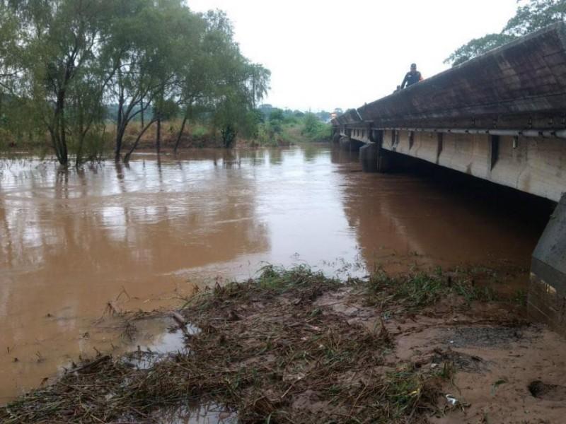 Primeras afectaciones por desbordamiento de Rio Malatengo