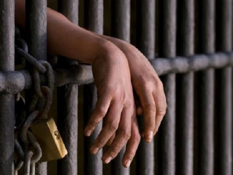 Prisión preventiva para seis personas por portación de arma: FGR