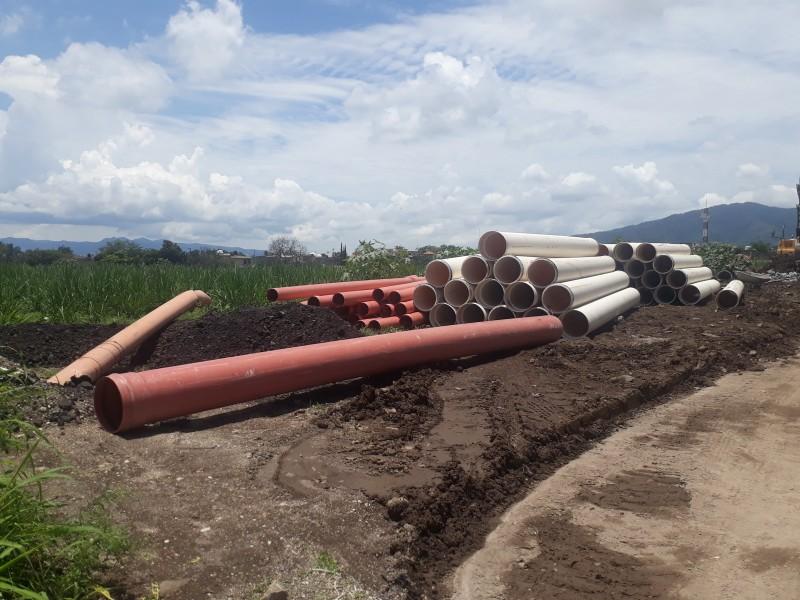 Problemas de inundación por mala tubería; Boulevard Tepic-Xalisco