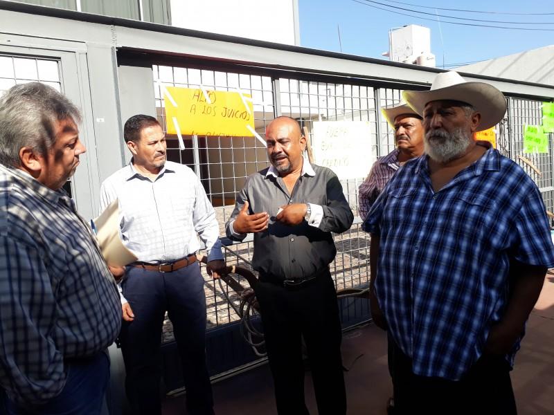 Productores nayaritas toman instalaciones de Financiera Nacional