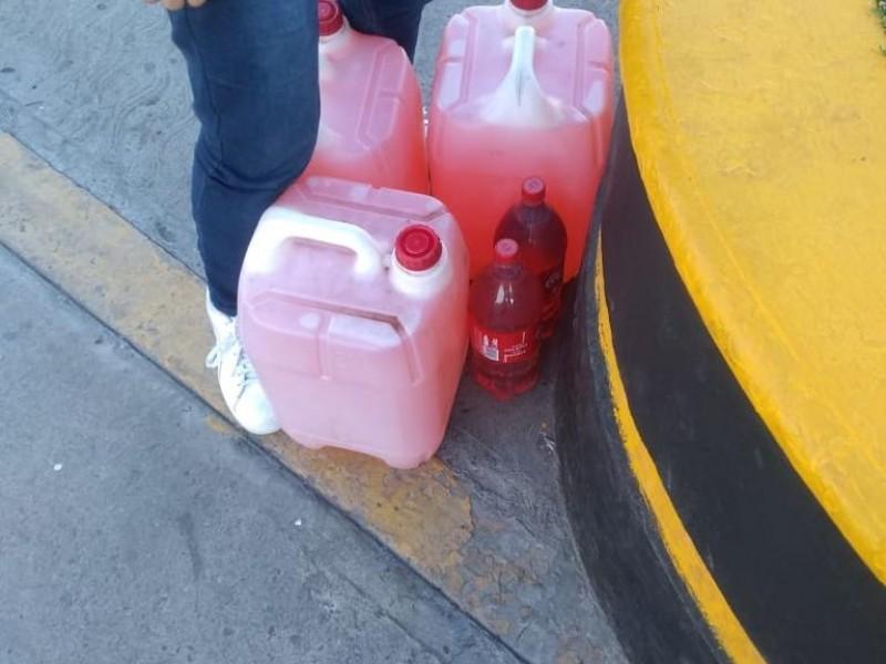 Prohiben venta de gasolina en garrafas