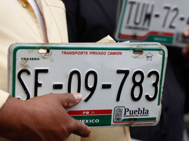 Prolongan reemplacamiento y cancelan trámites de control vehicular en Puebla